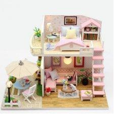 DIY drevený poschodový domček pre bábiky