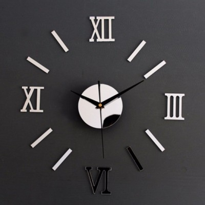 Nástenné hodiny s rímskymi číslicami – strieborné