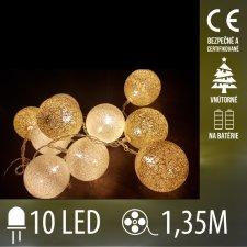 Vianočná LED svetelná reťaz vnútorná - na batérie - bavlnené gule - 10LED - 1,35M Teplá biela