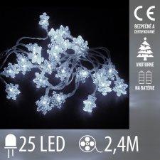 Vianočná LED svetelná reťaz vnútorná - na batérie - vločky - 25LED - 2,4M Studená biela